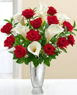 Red Roses and white Cala\'s are a  beautiful bouquet